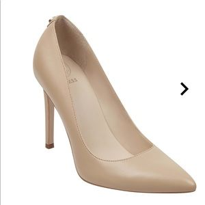 Guess Crew Pointed Faux-Leather Pump Nude